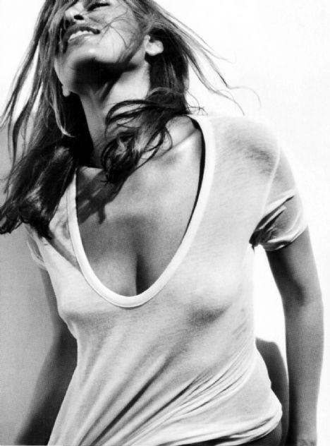 Eva Mendes Vogue'a soyundu - 22